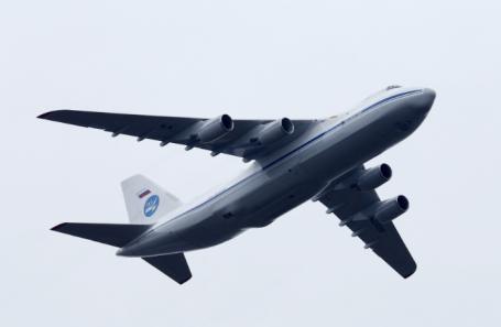 Дальний тяжелый военно-транспортный самолет Ан-124-100 «Руслан».