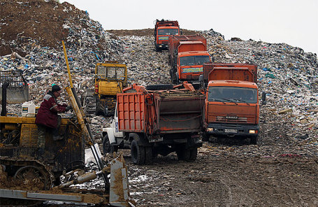 На полигоне твердых бытовых отходов «Воловичи» в Коломенском районе.