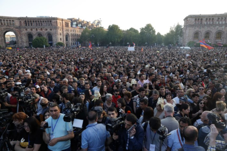 Митинг сторонников оппозиции в Ереване.