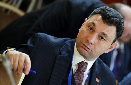 Эдуард Шармазанов.
