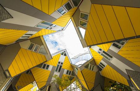 Кубические дома в Роттердаме.