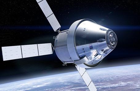 Космический аппарат Orion в космосе
