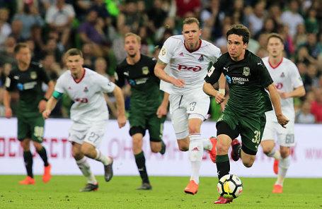 Во время футбольного матча между командами «Краснодар» (Краснодар) и «Локомотив» (Москва).