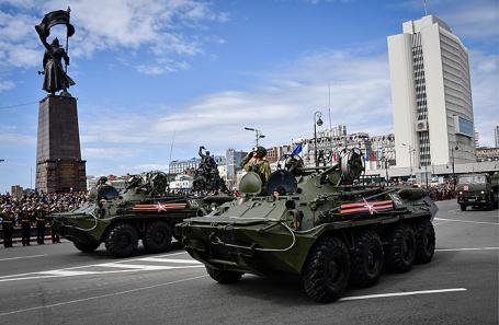 Военный парад, посвященный 73-й годовщине Победы, во Владивостоке, 9 мая 2018 года.
