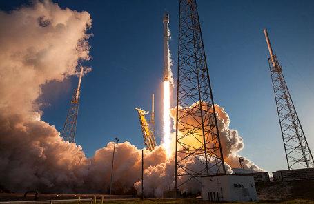 Ракета-носитель Falcon-9 компании SpaceX.