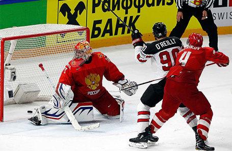 Во время матча 1/4 финала чемпионата мира по хоккею между сборными командами России и Канады.