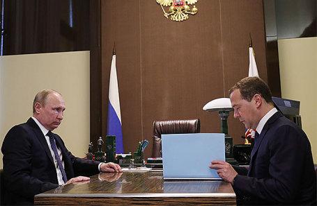 Владимир Путин и Дмитрий Медведев.