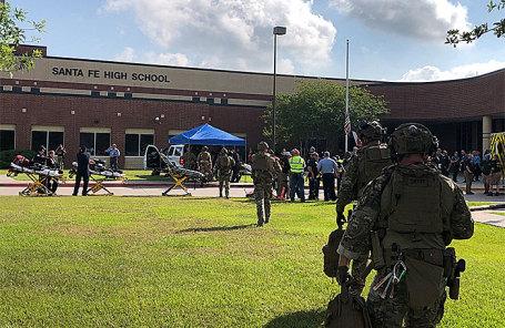 Школа в Санта-Фе, где произошла стрельба.