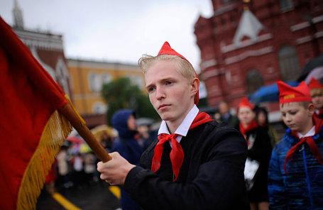 Торжественный прием в пионеры на Красной площади.