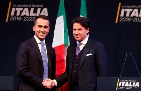 Ди Майо и Джузеппе Конте (слева направо).