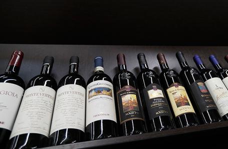 Русские  виноделы попросили Владимира Путина  ввести сбор наимпортное вино
