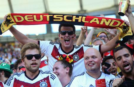 Песни футбольных немецких фанатов онлайнi