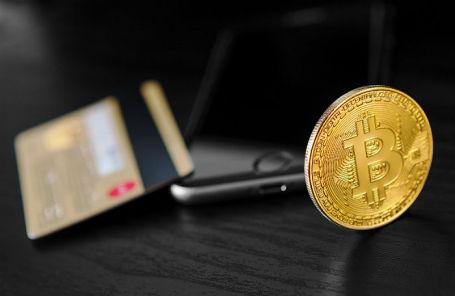 «Большая банковская четверка» США ограничила покупку криптовалют