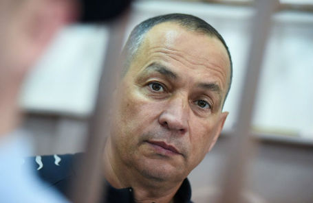 Глава Серпуховского муниципального района Московской области Александр Шестун в Басманном суде.