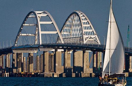Крымский мост через Керченский пролив. Фото: Сергей Мальгавко/ТАСС