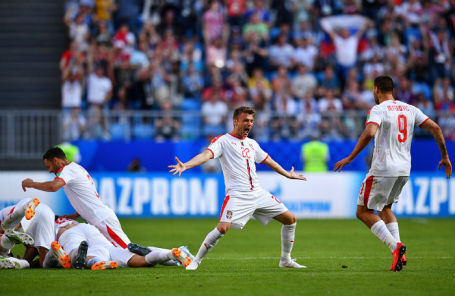 Игроки сборной Сербии на матче против команды Коста-Рики в Самаре, 17 июня 2018 года.