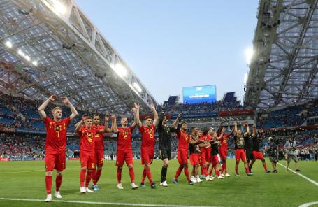 Сборная Бельгии празднует победу в матче с Панамой.