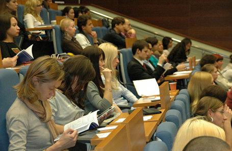 Московскую высшую школу социальных и финансовых наук лишили аккредитации