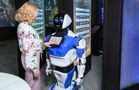 Пермская компания заключила договор напоставку вСША роботов-ассистентов Promobot
