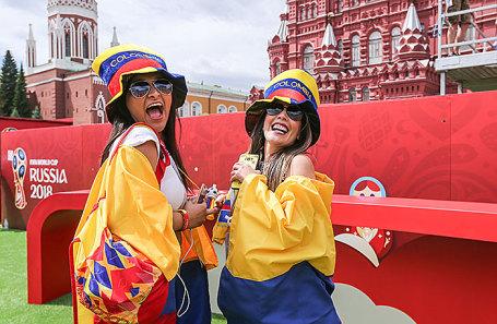 Болельщицы сборной Колумбии во время открытия Парка футбола чемпионата мира 2018 года на Красной площади.