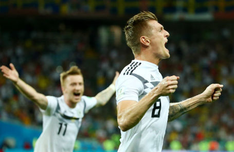 Игрок сборной Германии Тони Кроос на матче против команды Швеции, 23 июня 2018 года.