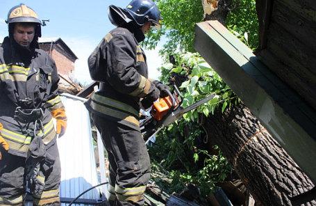 Устранения последствий шторма в Барнауле.
