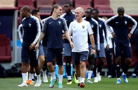 На тренировке сборной Франции по футболу.