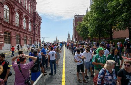 Очередь болельщиков ЧМ-2018 в Мавзолей Ленина.