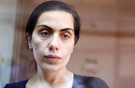 Член правления «Интер РАО» Карина Цуркан, обвиняемая в шпионаже в пользу Румынии, во время рассмотрения законности ареста в Мосгорсуде.