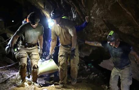 Спасательная операция в Тайланде.