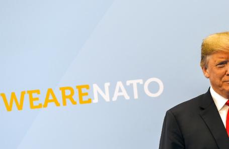 Дональд Трамп на саммите стран НАТО в Брюсселе.