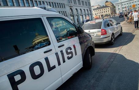 Полиция на улицах Хельсинки.