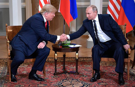 Дональд Трамп и Владимир Путин. Архив.