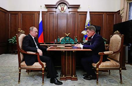 Владимир Путин и Олег Кожемяко.