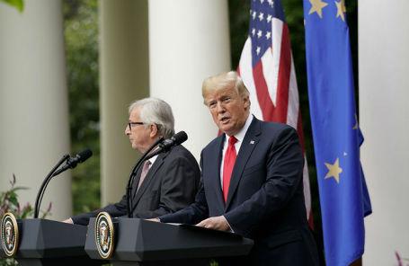 Президент США Дональд Трамп и председатель Еврокомисии Жан-Клод Юнкер на пресс-конференции в Белом доме.