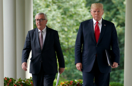 Председатель Еврокомиссии Жан-Клод Юнкер и президент США Дональд Трамп.