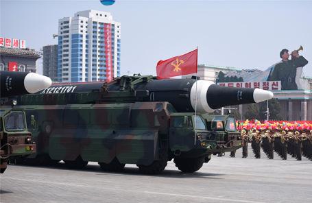 Баллистические ракеты на параде в Пхеньяне. Архив.