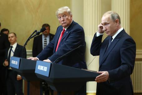 Президент США Дональд Трамп и президент РФ Владимир Путин (слева направо).