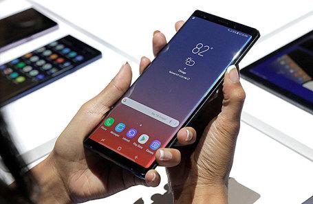 Самсунг продемонстрировал новый смартфон Galaxy Note 9