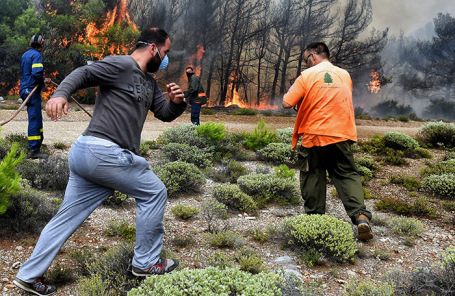 Борьба с пожарами в Греции.