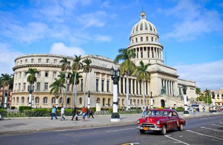 Российская Федерация позолотит купол кубинского Капитолия за642,5 млн руб.