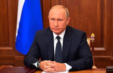 Владимир Путин во время телеобращения.