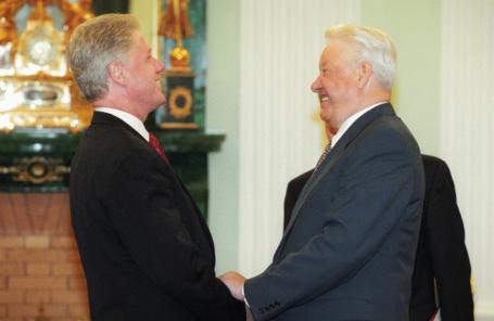 Президент РФ Борис Ельцин (справа) и Президент США Билл Клинтон.