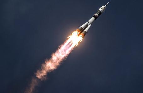 Запуск ракеты-носителя «Союз-ФГ» с кораблем «Союз МС-09».