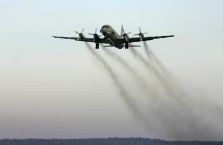 Самолет Ил-20.