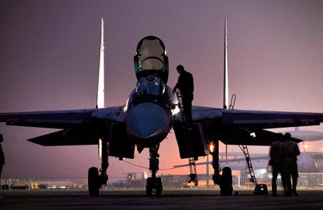 Многоцелевой истребитель Су-35 на авиакосмической выставке в Китае. Архив.