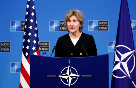 Постоянный представитель США при НАТО Кэй Бэйли Хатчисон.