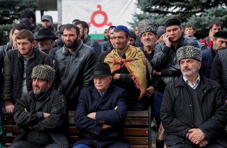 Митинг в Магасе (Ингушетия) против принятия соглашения об установлении границы между Ингушетией и Чечней.