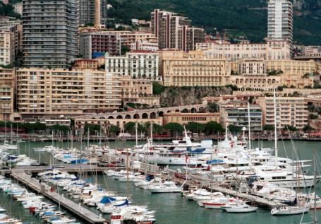 Монако. Вид на Монте-Карло со стороны порта.