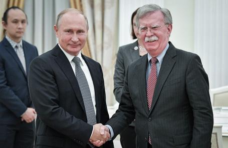 Владимир Путин и Джон Болтон.
